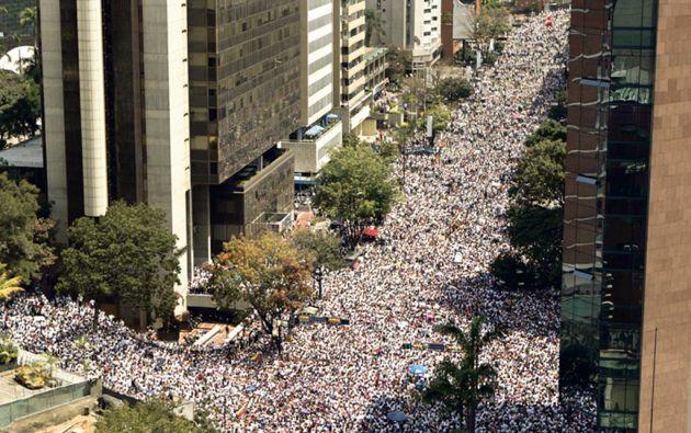 Miles de personas se tomaron las calles de Venezuela para protestar.