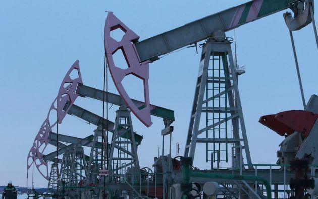La caída del precio del crudo ha afectado a las economías de Ecuador, Venezuela y Rusia. Foto: REUTERS