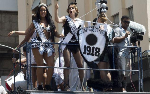 "Un grupo de participantes del ""Cordao do Bola Preta"". Foto: AFP"