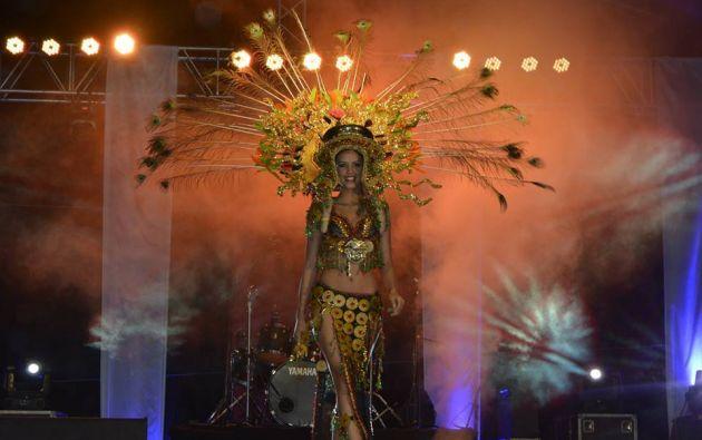 Francesa Cipriani, de Guayaquil, con su traje típico. Foto: Facebook.