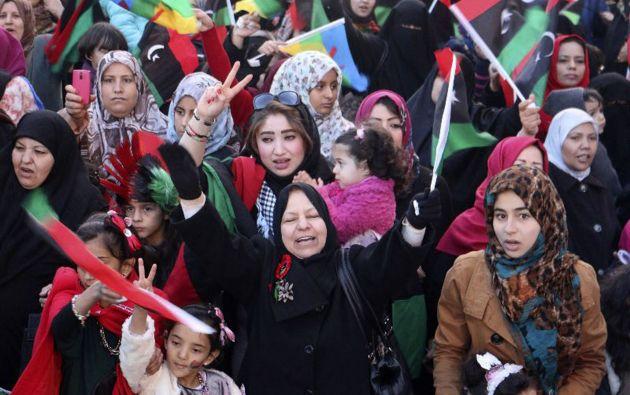mujeres libias celebran el cuarto aniversario de la revolución contra Gaddafi. Foto: REUTERS