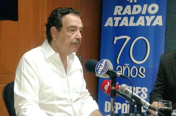 El alcalde Jaime nebot durante su entrevista radial. Foto: Twitter Radio Atalaya.