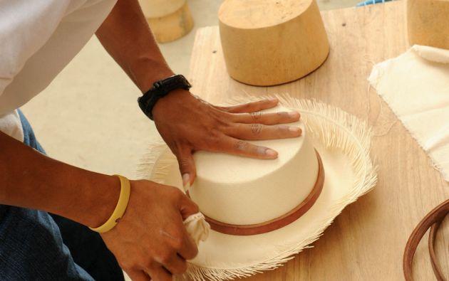 En Pile, una pequeña comunidad próxima a Montecristi, es quizá uno de los lugares donde la tradición se mantiene viva con mayor fidelidad a sus orígenes.