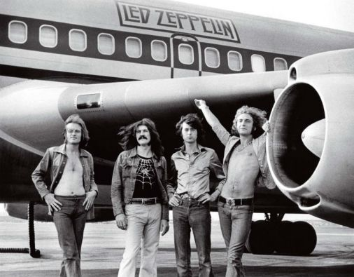 Led Zeppelin fue fundado en 1968 por Jimmy Page, Robert Plant, John Paul Jones y John Bonham (fallecido en 1980).
