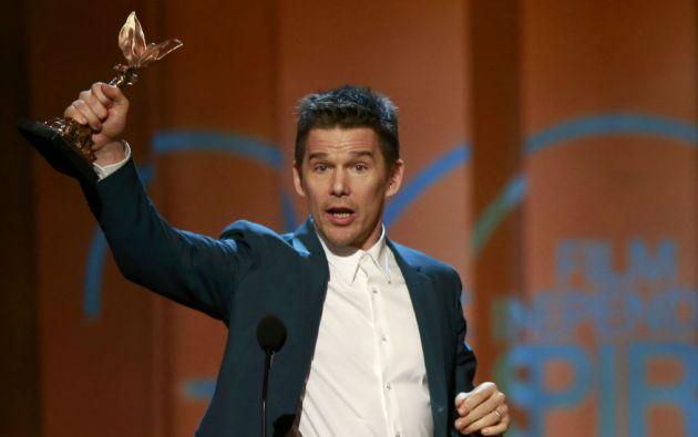 El actor Ethan Hawke recogió el premio a mejor director en representación de Richard Linklater. Foto: REUTERS
