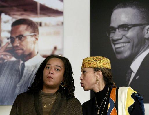 Attallah Shabazz y Malaak Shabazz, hijas del fallecido Malcolm X. Foto: REUTERS