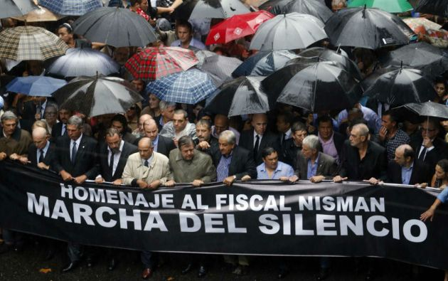 El 18 de febrero se realizó uan marcha en Buenos Aires para reclamar el esclarecimiento de la muerte del fiscal Alberto Nisman. Foto: REUTERS
