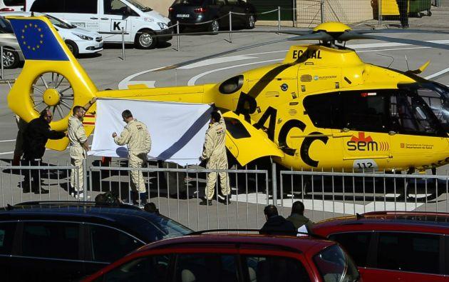 El piloto español evacuado en helicóptero hasta el Hospital General de Cataluña. Foto: REUTERS