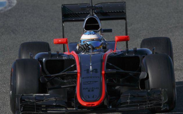 El bicampeón mundial de la F1 estrelló su McLaren contra la valla de protección en los ensayos. Foto: REUTERS