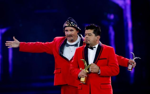 Dúo de humoristas chilenos 'Dinamita Show'. Foto: Ecuavisa.com
