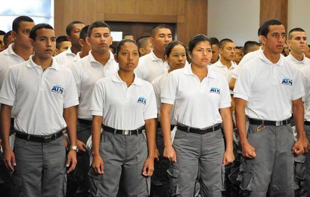 Son 696 aspirantes a agentes de tránsito. Foto: Cortesía UEES