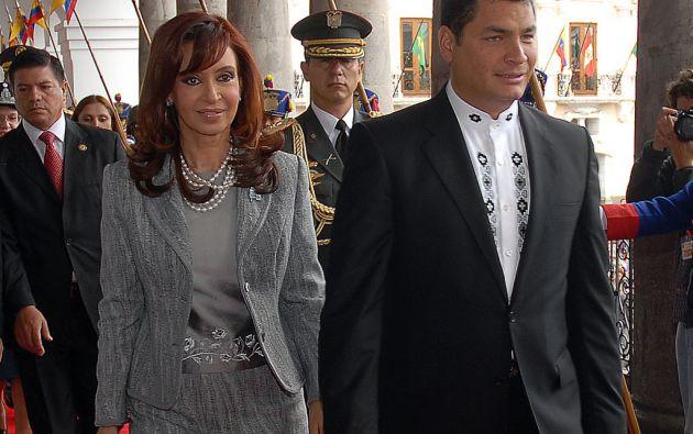 Cristrina Fernández y Rafael Correa. Foto: Presidencia de Ecuador
