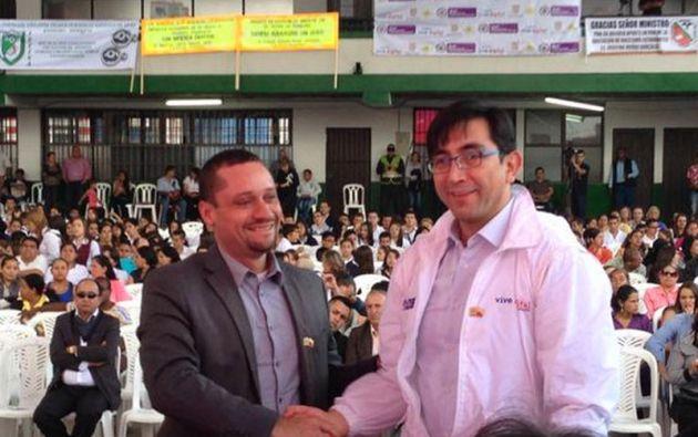 Augusto Espín, ministro de Telecomunicaciones de Ecuador, y Diego Molano, ministro de Tecnologías de la información y la Comunicación de Colombia. Foto: Ministerio de Telecomunicaciones