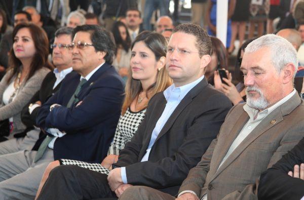 Rodas estuvo acompañado de su esposa. Foto: Quito Alcaldía
