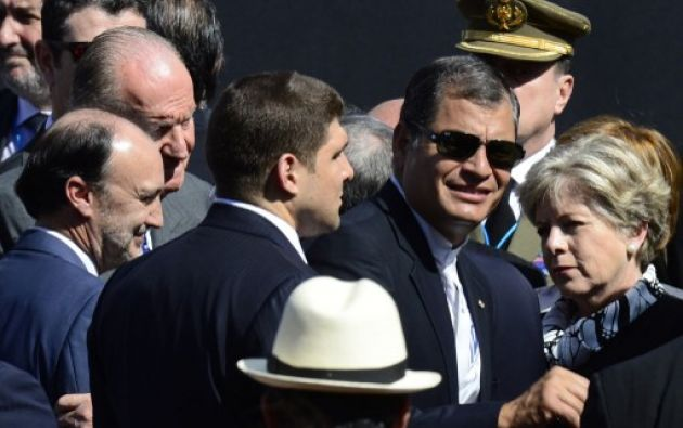 El presidente Rafael Correa a su llegada al cambio de posesión. Foto: AFP