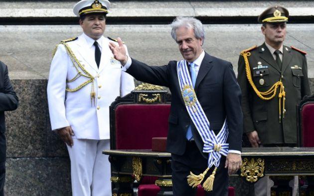 Tabaré Vásquez con la banda presidencial. Foto: AFP