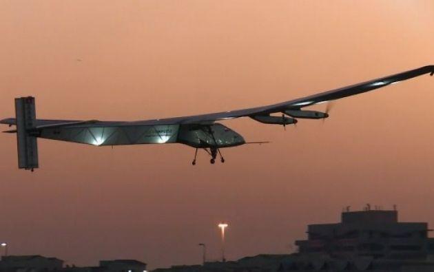 El Solar Impulse 2 durante su segundo ensayo. Foto: Captura de video.