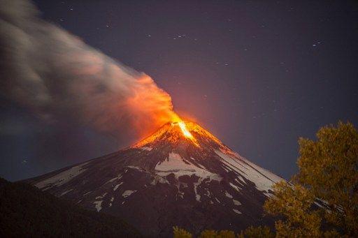 El Villarrica está a 775 kilómetros de Santiago. Foto: AFP