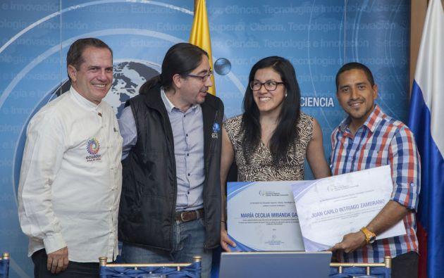 Autoridades junto a Juan Carlos Intriago  y María Cecilia Miranda. Foto: Flickr / Cancillería Ecuador