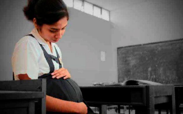 El nuevo plan incluirá incentivar a los jóvenes a retrasar su vida sexual y rescatar el rol de la familia. Foto: Ecuavisa.com