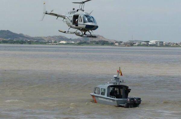 El resfuerzo lo hacen por mar y aire. Foto: Guardacostas Ecuador