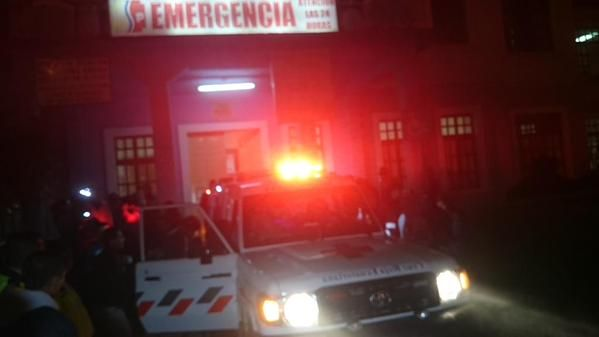 Los heridos fueron llevados hasta emergencias del hospital de Alausí.