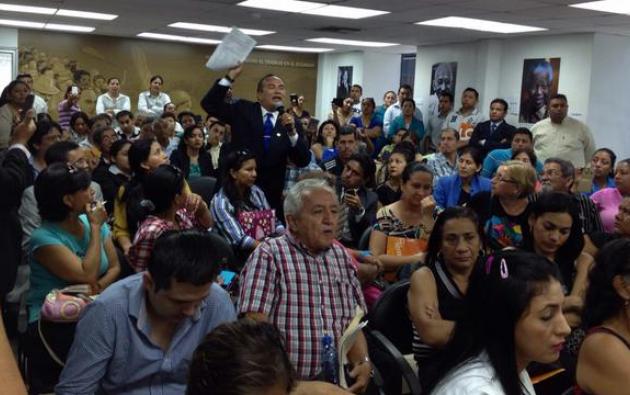 Estafados en el caso Terrabienes en la Defensoría del Pueblo, en febrero pasado. Foto: Twitter / Defensoría del Pueblo