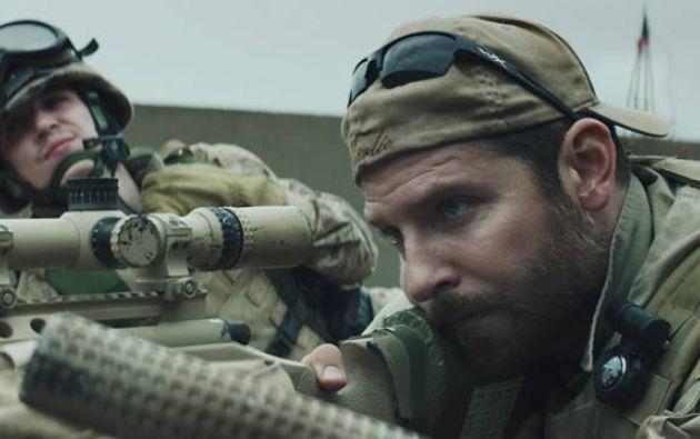 Bradley Cooper interpreta al personaje principal del filme. Fotos: Facebook / American Sniper