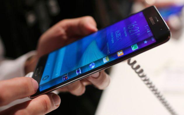 La tecnológica surcorenaan espera revertir esta situación con el Galaxy S6 y el Galaxy S6 Edge. Foto: REUTERS