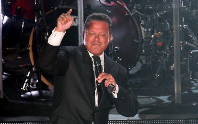 """El cantante mexicano tuvo que cancelar un tercer concierto de su gira """"Deja Vu"""" para el que no alcanzó a vender ni la mitad de las entradas."""