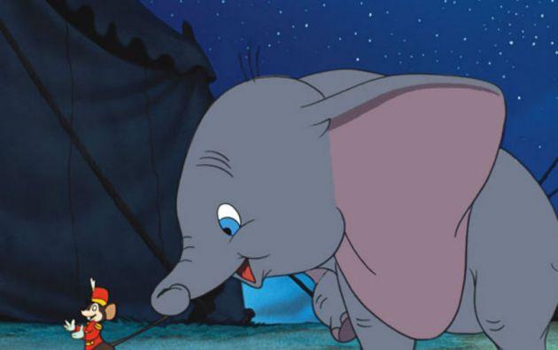 """""""Dumbo"""" (1941) contaba las aventuras de un pequeño elefante de circo que podía con unas enormes orejas."""