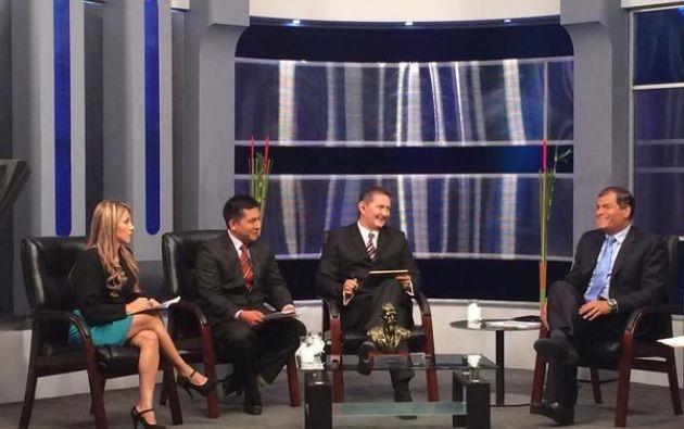 la entrevista, el Presidente se refirió a varios temas de actualidad como las sobretasas arancelarias, el Plan Familia, la labor del Ministerio del Interior, la reelección indefinida, entre otros. Foto: Twitter