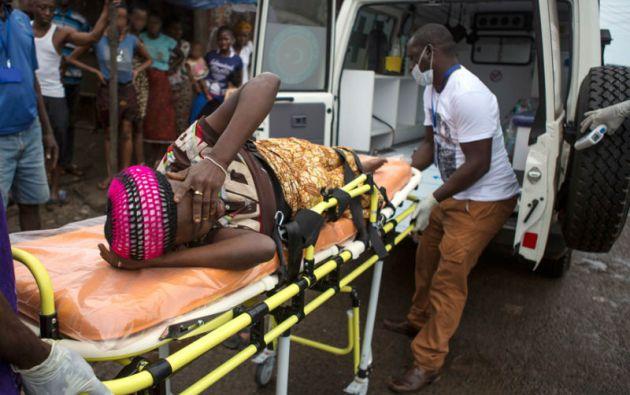 En Sierra Leona la situación aún sigue siendo preocupante pues todavía existe transmisión constante entre la comunidad. Foto: REUTERS