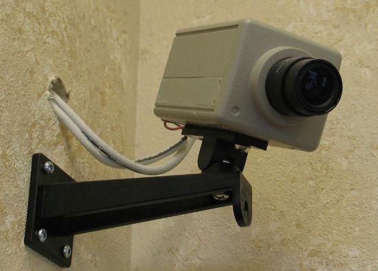 El mandatario reconoció que la instalación de cámaras en esos establecimientos podía ser empleada para extorsionar a los clientes.