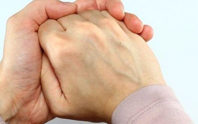 En todas las articulaciones del cuerpo existe una zona llamada cápsula articular que las protege.