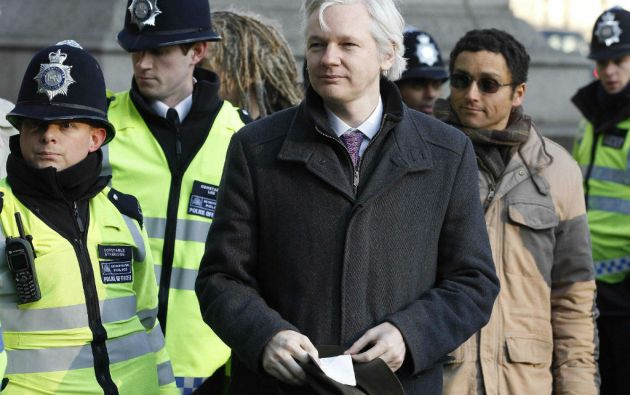 Un tribunal británico ordenó la extradición de Assange a Suecia para hacer frente a acusaciones por presuntos delitos sexuales. Foto: REUTERS