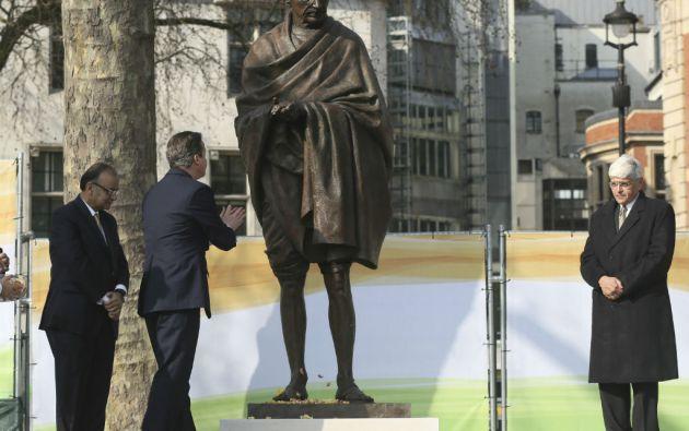 La estatua, de 2,75 metros de altura, fue creada por el artista británico Philip Jackson. Foto: REUTERS