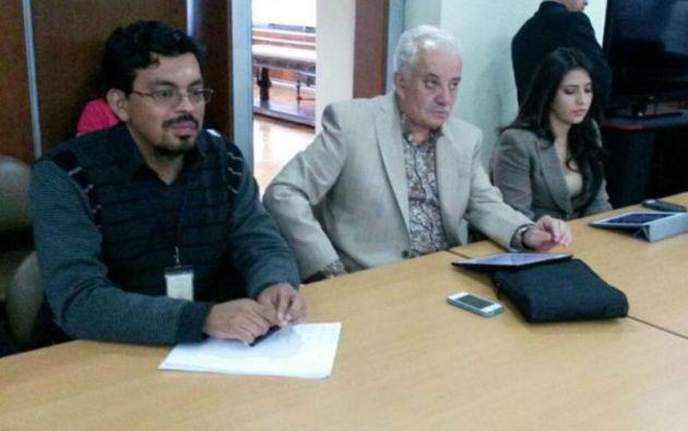 El fiscal general Galo Chiriboga (centro) dijo que no apelará la sentencia, pues está conforme con la decisión de los jueces. Foto: Fiscalía General del Estado