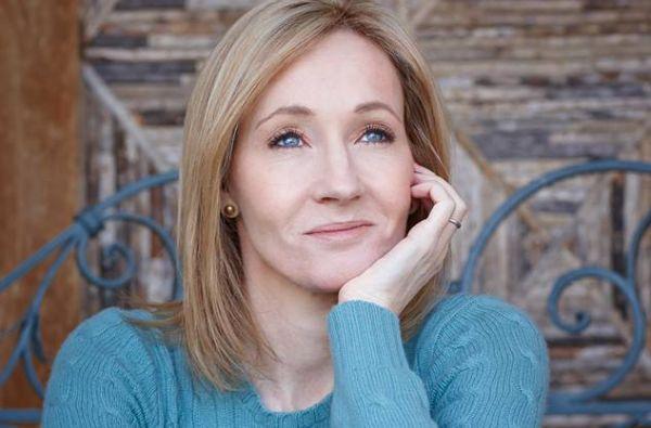 Rowling es conocida por la saga de Harry Potter, traducida a 73 idiomas y de la que ha vendido 450 millones de copias en más de 200 países. Foto: Facebook / J.K. Rowling