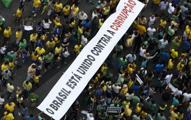 El paquete de medidas anticorrupción fue lanzado para atender el reclamo generalizado de la sociedad brasileña. Foto: AFP
