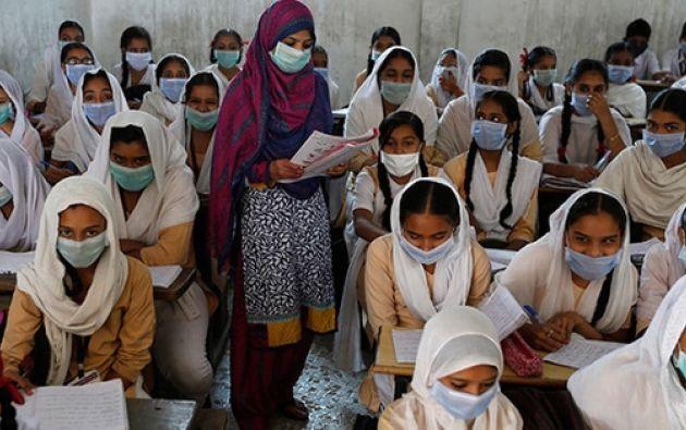 Según medios locales, 500 estudiantes fueron expulsados de la prueba y 10 padres detenidos.