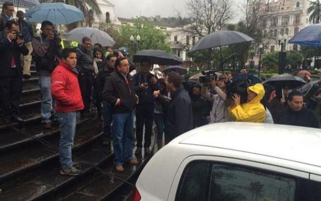 Rodas le dijo a Guaysamín que GamaTV recibirá una sanción por haber violado la normativa. Foto: Twitter.
