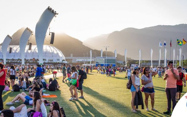 Tomas de lo que fue la edición 2013 del festival. Fotos: Facebook / Rock in Rio.