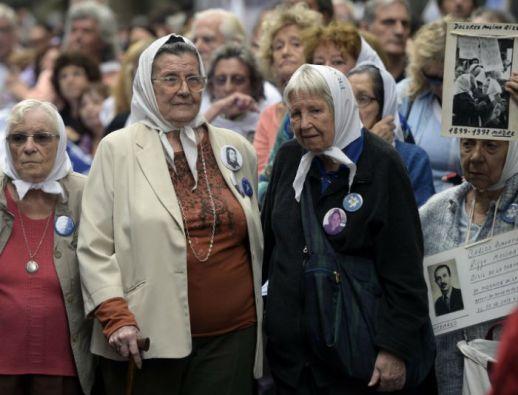En el acto participaron respresentantes de las Madres de Plaza de Mayo y de Abuelas de Plaza de Mayo. Foto: AFP