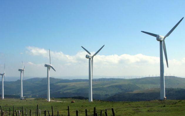 La WWF destaca que Costa Rica posee una gran capacidad de generación geotérmica y eólica.