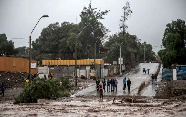 Atacama es azotada desde hace 48 horas por fuertes lluvias que han causado aluviones y crecidas de ríos. Foto: REUTERS.