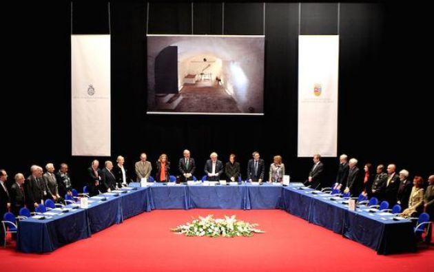 Los académicos eligieron Argamasilla de Alba para su segunda sesión extraordinaria, con motivo del IV centenario de la publicación de la segunda parte del Quijote. Foto: Twitter / RAE.