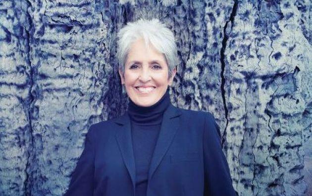 La interprete repasó durante una hora y media los éxitos de su dilatada trayectoria ante un público integrado por mayores de 45 años. Foto: Facebook / Joan Baez.