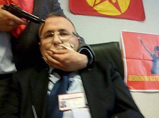 Mehmet Selim Kiraz fue rescatado en una operación de asalto, aunque posteriormente falleció por la gravedad de sus heridas. Foto: REUTERS