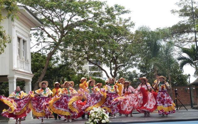 La Compañía Danzas Folclóricas Ecuador también se suma a la programación del parque. Foto: Cortesía / Parque Histórico de Guayaquil.